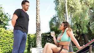 Hardcore dicking wide of the pool with disappointing Ella Knox added to will not hear of BF